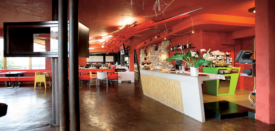 Hotel Primaluna, Malcesine, Lake Garda, Italy - Bar and Reception area.jpg